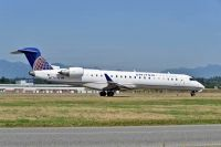 Photo: United Express, Canadair CRJ Regional Jet, N778SK