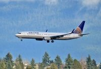 Photo: United Airlines, Boeing 737-900, N37465