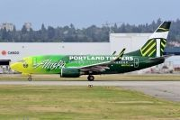 Photo: Alaska Airlines, Boeing 737-700, N607AS