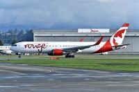 Photo: Air Canada Rouge, Boeing 767-300, C-GHLQ