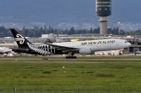 Photo: Air New Zealand, Boeing 777-200, ZK-OKA