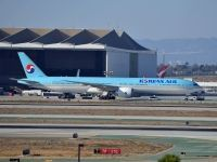 Photo: Korean Air, Boeing 777-300, HL8250