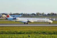 Photo: Air Canada Express, Canadair CRJ Regional Jet, C-GLJZ