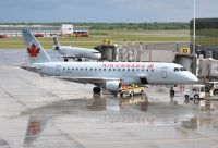 Photo: Air Canada, Embraer EMB-175, C-FEKJ