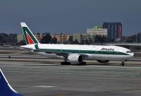 Photo: Alitalia, Boeing 777-200, EI-DBK