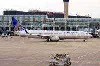 Photo: United Airlines, Boeing 737-900, N37422