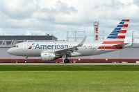 Photo: American Airlines, Airbus A319, N9029F