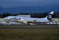 Photo: Alaska Airlines, Boeing 737-400, N703AS