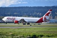 Photo: Air Canada Rouge, Boeing 767-300, C-GHLA