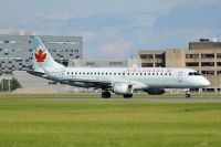 Photo: Air Canada, Embraer EMB-190, C-FHKS