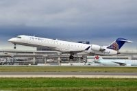 Photo: United Express, Canadair CRJ Regional Jet, N770SK
