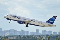 Photo: JetBlue Airways, Airbus A320, N526JL