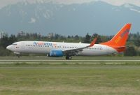Photo: Sunwing Vacations, Boeing 737-800, C-FTDW