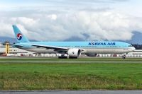 Photo: Korean Air, Boeing 777-300, HL8009