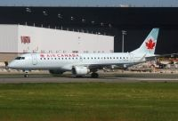 Photo: Air Canada, Embraer EMB-190, C-FMZW