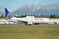 Photo: United Airlines, Boeing 737-800, N33209