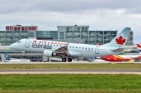 Photo: Air Canada Express, Embraer EMB-175, C-FEJL