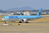 Photo: Korean Air, Boeing 777-300, HL8008