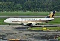 Photo: Singapore Airlines, Boeing 747-400, 9V-SFM