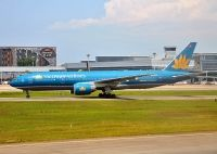 Photo: Vietnam Airlines, Boeing 777-200, VN-A145