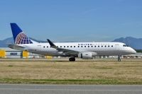 Photo: United Express, Embraer EMB-170, N143SY