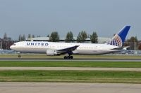 Photo: United Airlines, Boeing 767-300, N663UA