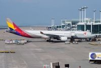 Photo: Asiana Airlines, Airbus A330-300, HL7754
