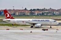Photo: Turkish Airlines THY, Airbus A320, TC-JUG