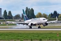 Photo: WestJet, Boeing 737-700, C-GWSQ