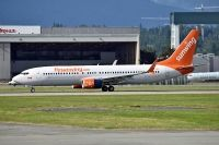 Photo: Sunwing Vacations, Boeing 737-800, C-FYJD