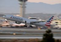 Photo: American Airlines, Boeing 777-300, N724AN