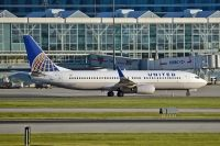 Photo: United Airlines, Boeing 737-800, N24202