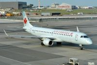 Photo: Air Canada, Embraer EMB-190, C-FGMF