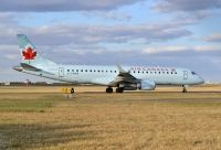 Photo: Air Canada, Embraer EMB-190, C-FHNW