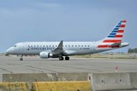 Photo: American Eagle, Embraer EMB-175, N206NN