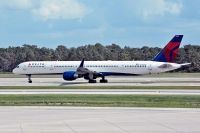 Photo: Delta Air Lines, Boeing 757-300, N588NW