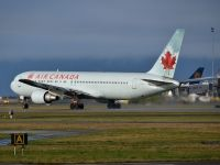 Photo: Air Canada, Boeing 767-300, C-GHLA