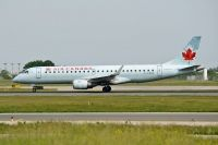 Photo: Air Canada, Embraer EMB-190, C-FHNL