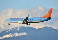 Photo: Sunwing Vacations, Boeing 737-800, C-FUAA