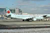 Photo: Air Canada, Embraer EMB-190, C-FLWK