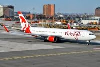 Photo: Air Canada Rouge, Boeing 767-300, C-FMWV