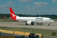 Photo: Qantas, Boeing 737-800, VH-VYJ