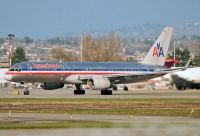 Photo: American Airlines, Boeing 757-200, N693AA