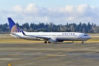 Photo: United Airlines, Boeing 737-900, N62894