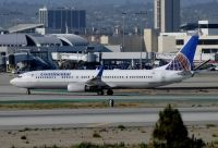 Photo: Continental Airlines, Boeing 737-900, N39415