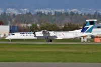 Photo: WestJet, De Havilland Canada DHC-8 Dash8 Series 400, C-GENM