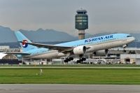 Photo: Korean Air, Boeing 777-200, HL7598