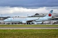 Photo: Air Canada, Embraer EMB-190, C-FHIU