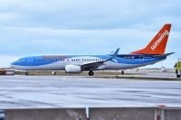 Photo: Sunwing Vacations, Boeing 737-800, C-FTZD