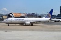 Photo: Continental Airlines, Boeing 737-800, N77258